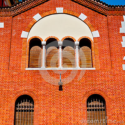 Free In Europe Italy Milan Old Architecture And Venetian Blind Wall Stock Photo - 58335260