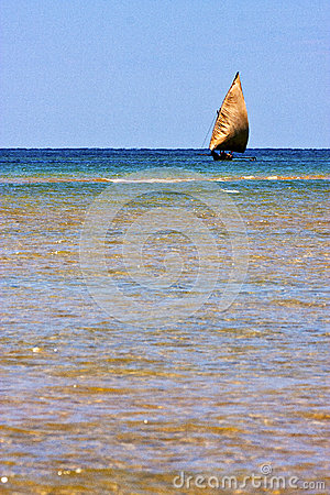Free In The  Blue Lagoon  Nosy Iranja  Boat Stock Photo - 40661740