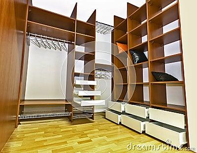 Inbyggd Garderob Royaltyfri Foto - Bild: 28528625