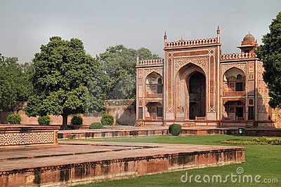 India: Baby Taj