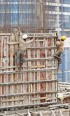 India contruction site workers disregard safety Editorial Photo