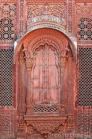 India, Jodhpur: window on the Maradja palace