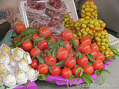 India - pomegranates for sale