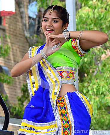 Free Indian Dancer At Chinatown Summer Fair Stock Image - 79823821