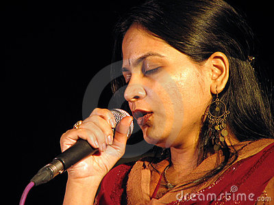 singer hindu single women A hindu temple has sparked an angry nationwide social media campaign after announcing women would be allowed in - but only when a scanning machine was invented to check whether or not they were menstruating sabarimala, in kerala, india, currently does not let any women of a certain age group.