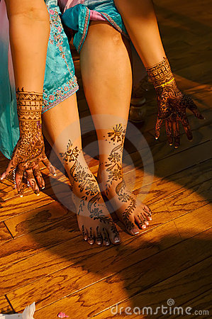 Free Indian Wedding Bride Getting Henna Applied Royalty Free Stock Images - 5233969