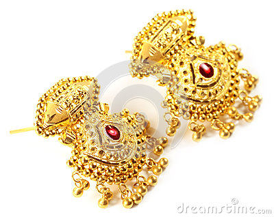 Indian wedding earrings for bride