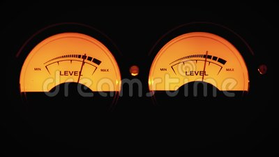 Indicateur de cadran analogique du niveau de signal sonore dans db flèche se déplace en synchronisation avec le niveau sonore clips vidéos