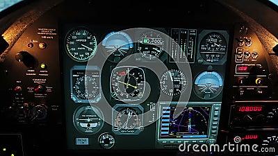 Indicateurs de vol normal sur le panneau d'habitacle d'avions, outils de système de contrôle plats banque de vidéos