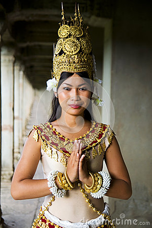 Free Indigenous Cambodian Female Dancer Greeting Stock Photography - 45719562