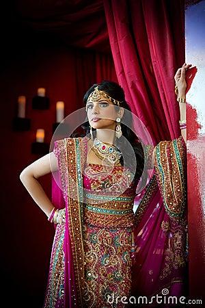 Indische Braut-Stellung