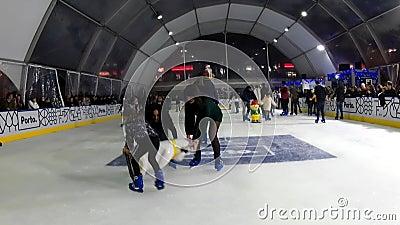 Indoor Kunstereisbahn stock footage