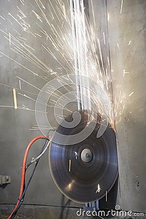Industrial demolition disc saw machine