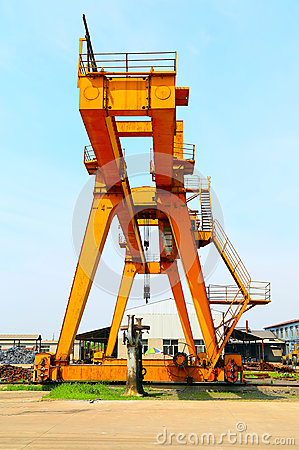 Industrial heavy lift crane