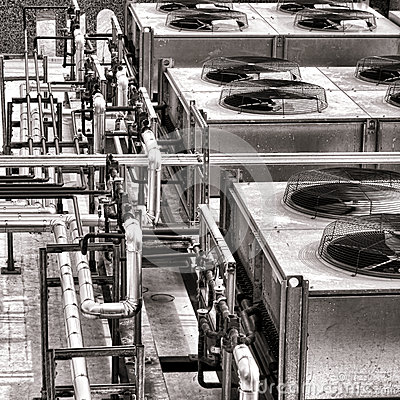 Free Industrial HVAC Air Conditioner Condenser Fans Stock Photography - 40026322