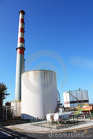 Free Industrial Pipes And Chimney Royalty Free Stock Photo - 13193395