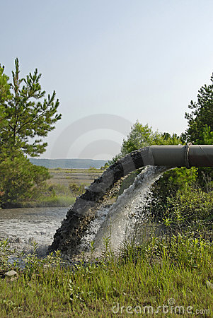 Free Industrial Waste Discharge Royalty Free Stock Photography - 5569467