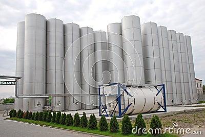 Industrieller Stahlbunker