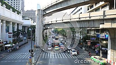 Ingorgo stradale sull'area di Centralworld, gennaio 19,2015 a Bangkok, Tailandia stock footage