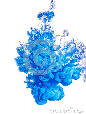 Free Ink Swirl In Water Isolated On White Background. The Paint In The Water. Soft Dissemination A Droplets Of Blue Ink In Royalty Free Stock Photos - 99266168