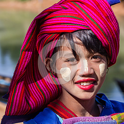 Free INLE LAKE, MYANMAR - November 30, 2014: An Unidentified Girl In Stock Photos - 50304283