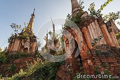 Shwe Indein塔