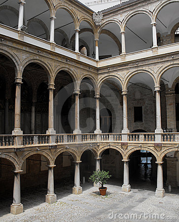 Inner courtyard of an Italian palace.