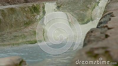 Insenatura calda dell'acqua minerale stock footage