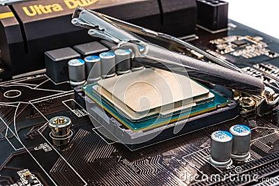 Installation computer processor in the socket