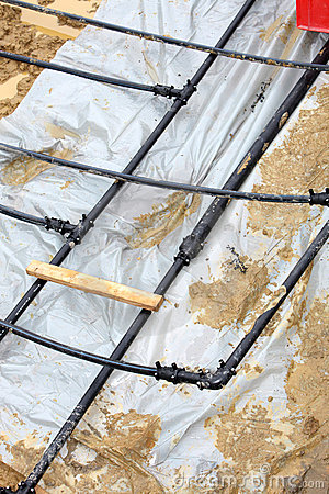 Installation of geothermal heat pipes