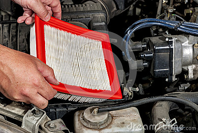 Installing an automobile air filter