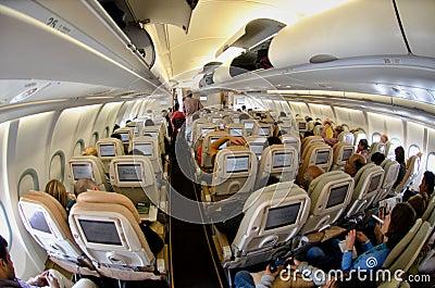 Int rieur d 39 un airbus photo stock ditorial image 38814718 for Interieur no 253