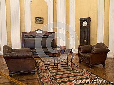 Int rieur du 19 me si cle de vintage avec des meubles for Interieur 19eme siecle