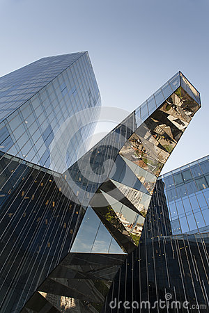 Interesting reflections in a glass facade