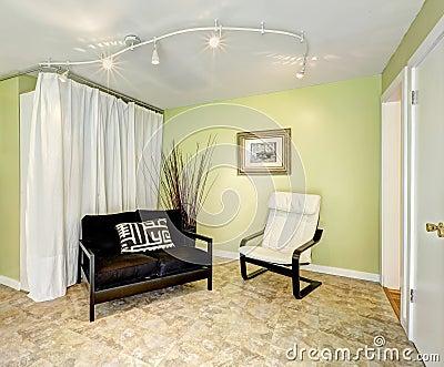 Interior de la casa del campo sala de estar con las - Cortinas para casas de campo ...