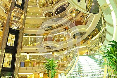 Interior del barco de cruceros