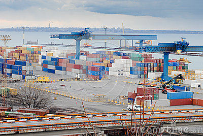 International sea port with containers