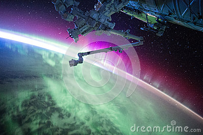 International Space Station Over Earth Free Public Domain Cc0 Image