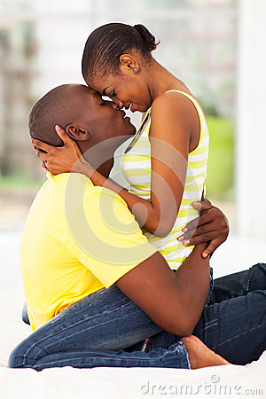 Free Intimate Couple Kissing Royalty Free Stock Photo - 30492725