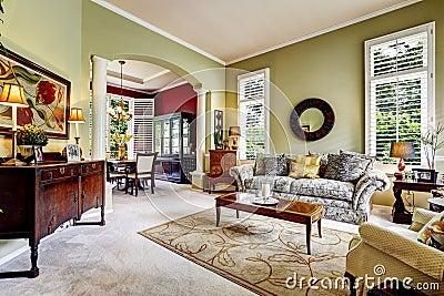 int rieur de luxe de maison chambre familiale vert clair photo stock image 44890920. Black Bedroom Furniture Sets. Home Design Ideas