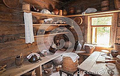 int rieur de vieille maison en bois rurale dans le mus e de l 39 archi en bois image stock. Black Bedroom Furniture Sets. Home Design Ideas