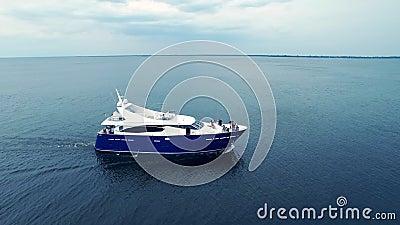 Intymny statek na seascape Rejs relaksuje podróż Morska czas wolny przygoda zbiory wideo