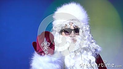 Invitando a Santa Claus, únase a me de la Navidad celebran el retrato indoor metrajes
