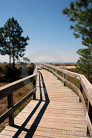 Inviting boardwalk to beach