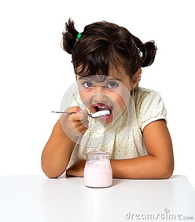 Iogurte comer da menina