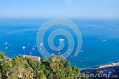 Ionische Overzees dichtbij Sicilië