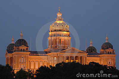 Iowa State Capital at dusk