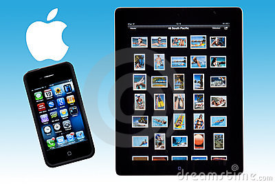 Ipad 2 - iphone 4S - Apple Logo Editorial Stock Photo