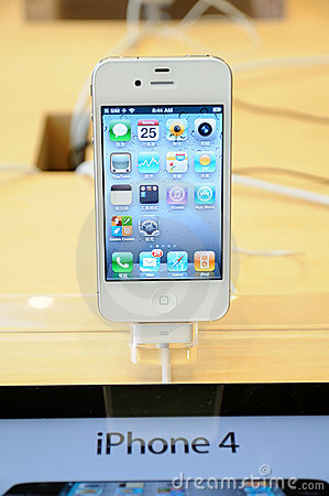 Iphone 4 display in Apple store Editorial Stock Image