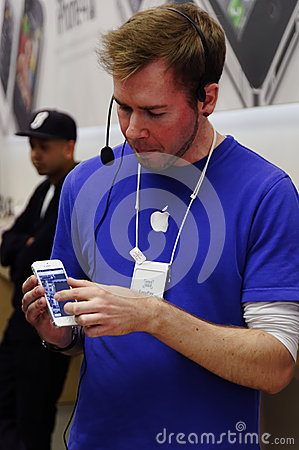 IPhone 5 launch in London Editorial Stock Photo